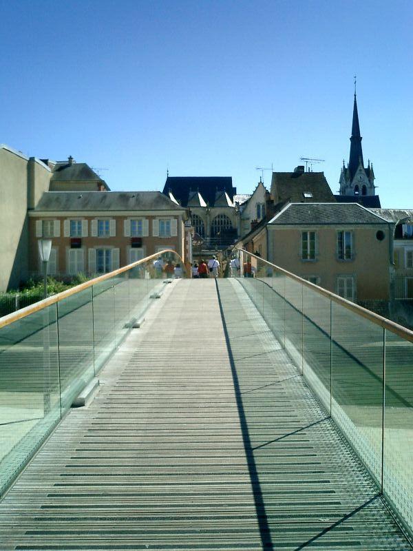 http://garagnat.free.fr/Montargis/montargis_03.JPG