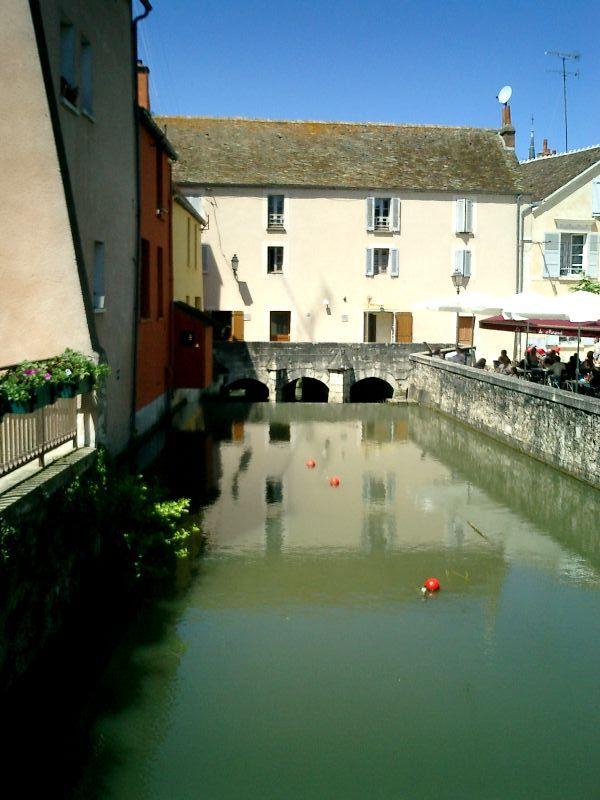 http://garagnat.free.fr/Montargis/montargis_06.JPG