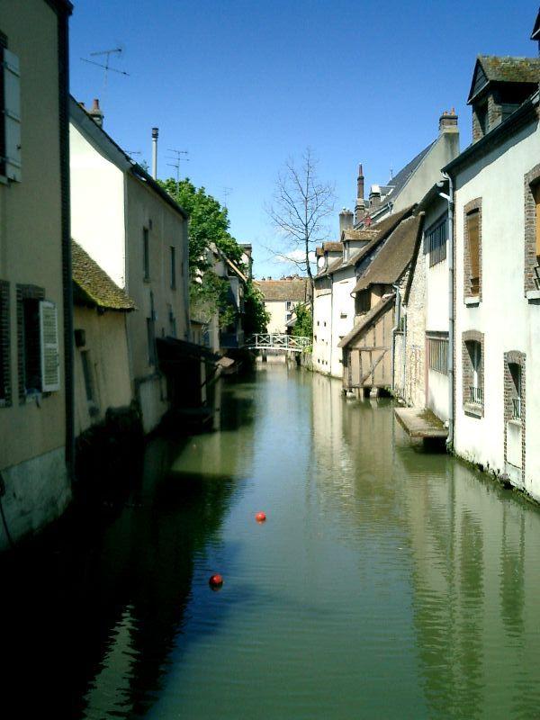 http://garagnat.free.fr/Montargis/montargis_07.JPG