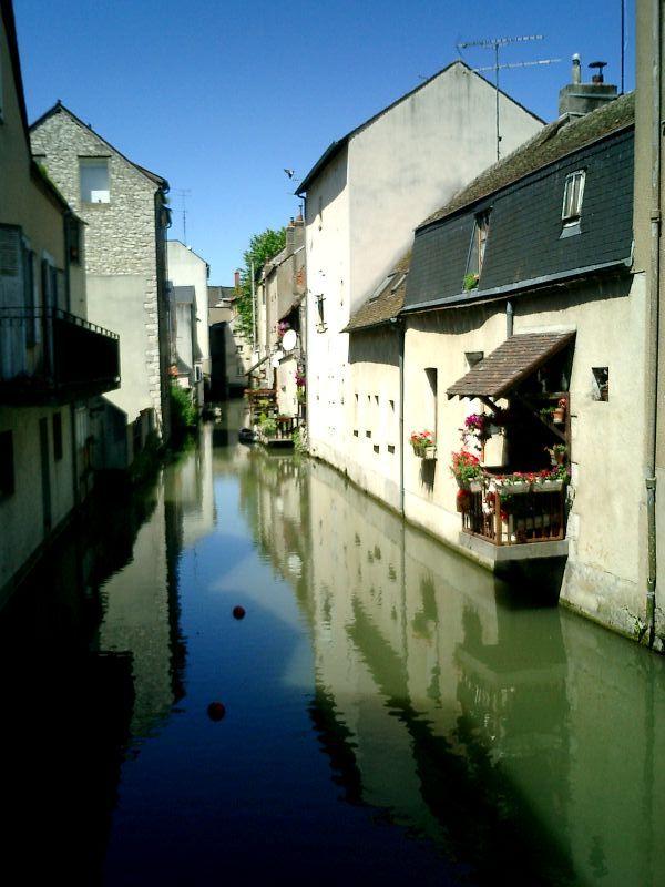 http://garagnat.free.fr/Montargis/montargis_09.JPG
