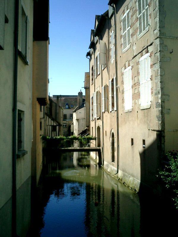 http://garagnat.free.fr/Montargis/montargis_10.JPG