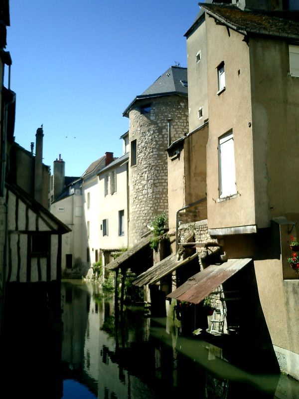 http://garagnat.free.fr/Montargis/montargis_12.JPG