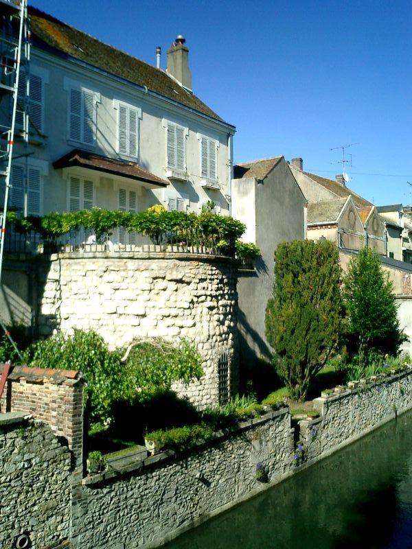 http://garagnat.free.fr/Montargis/montargis_14.JPG