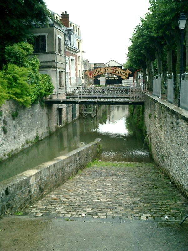 http://garagnat.free.fr/Montargis/montargis_17.JPG