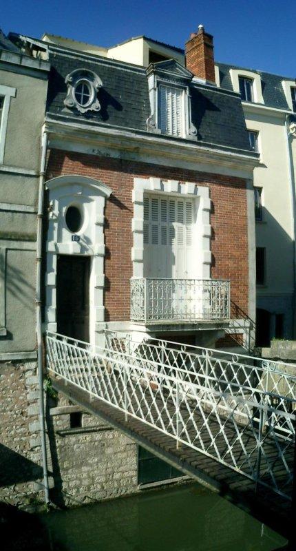 http://garagnat.free.fr/Montargis/montargis_21.JPG