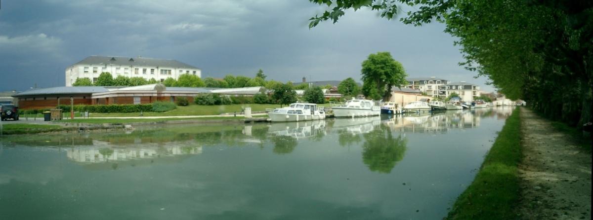 http://garagnat.free.fr/Montargis/montargis_26.JPG