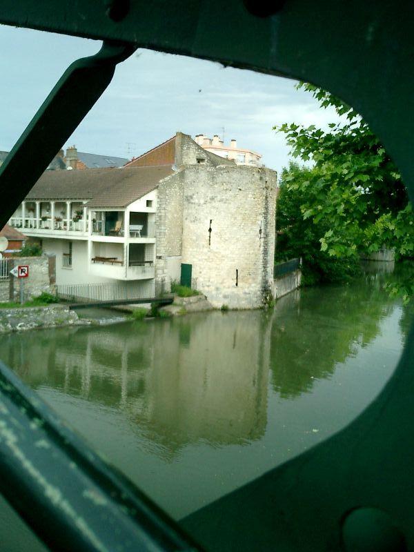 http://garagnat.free.fr/Montargis/montargis_30.JPG