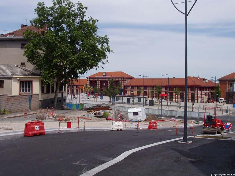 http://garagnat.free.fr/chateaucreux/site200706/chateaucreux_PTT.jpg